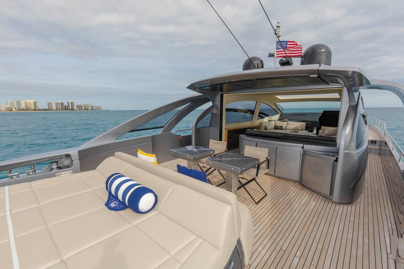 2016 PERSHING 70 Express Cruiser 2439250
