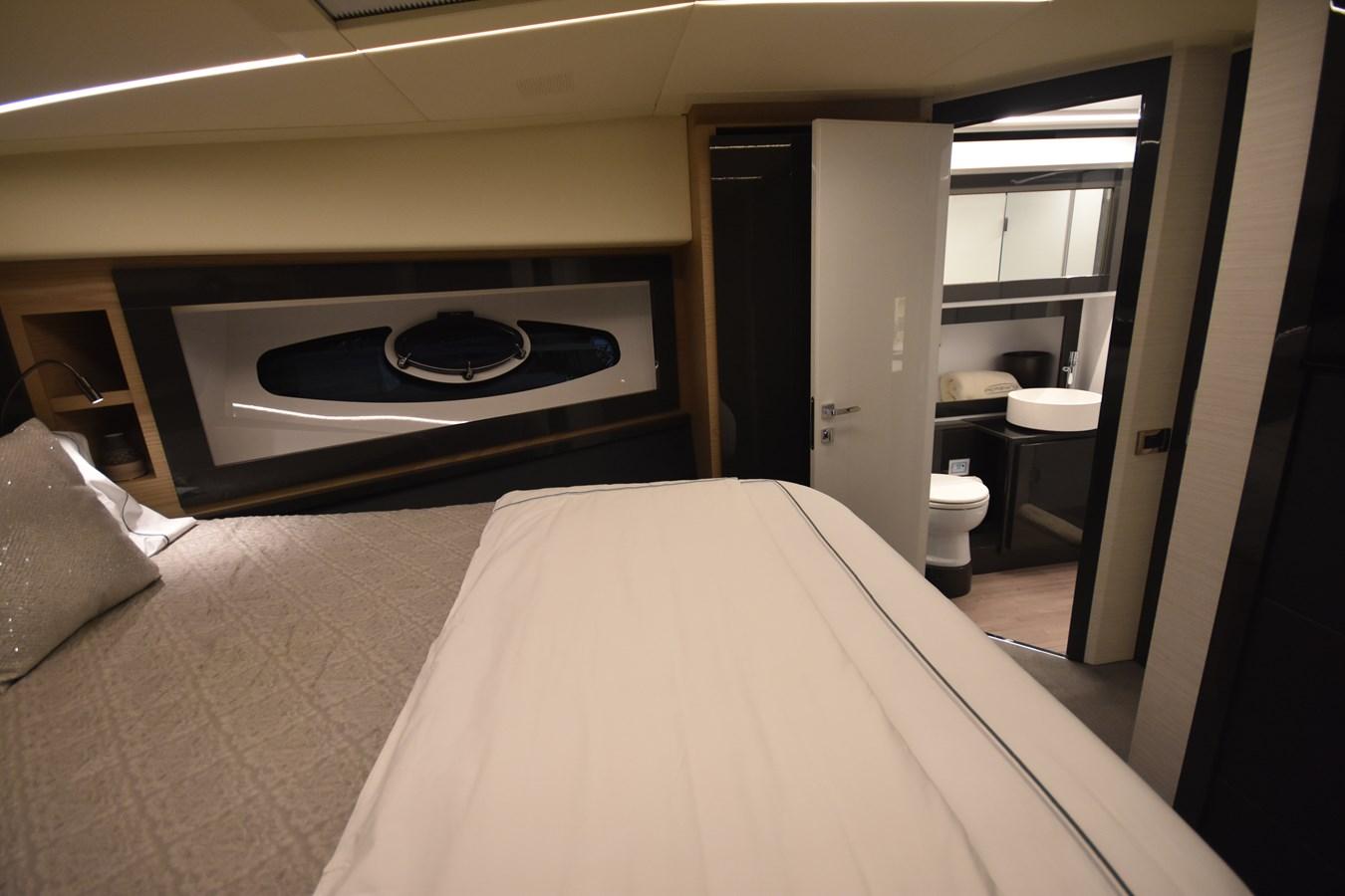 2016 PERSHING 70 Express Cruiser 2745181