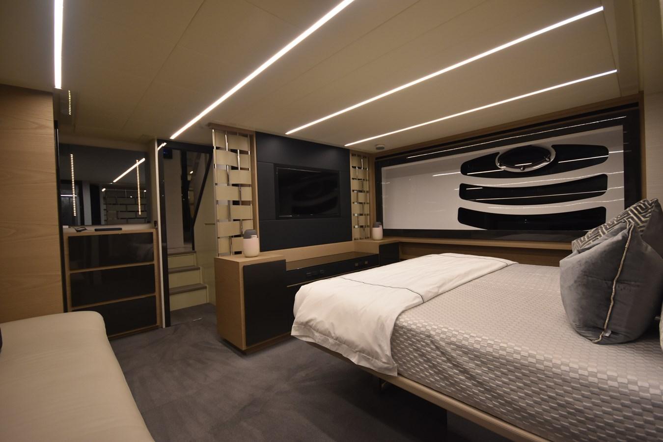 2016 PERSHING 70 Express Cruiser 2745192