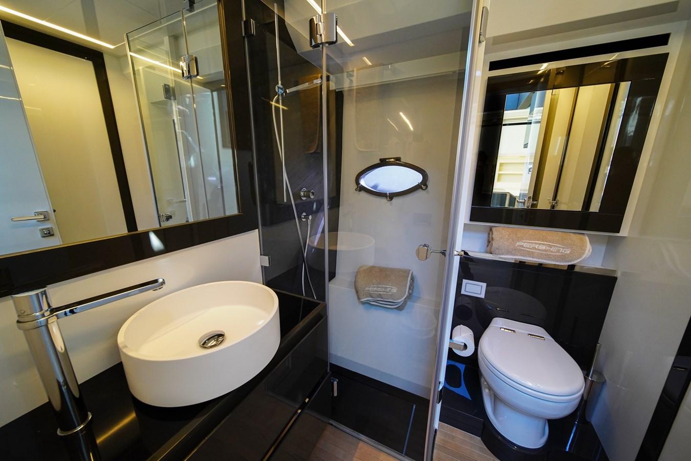 2016 PERSHING 70 Express Cruiser 2768308