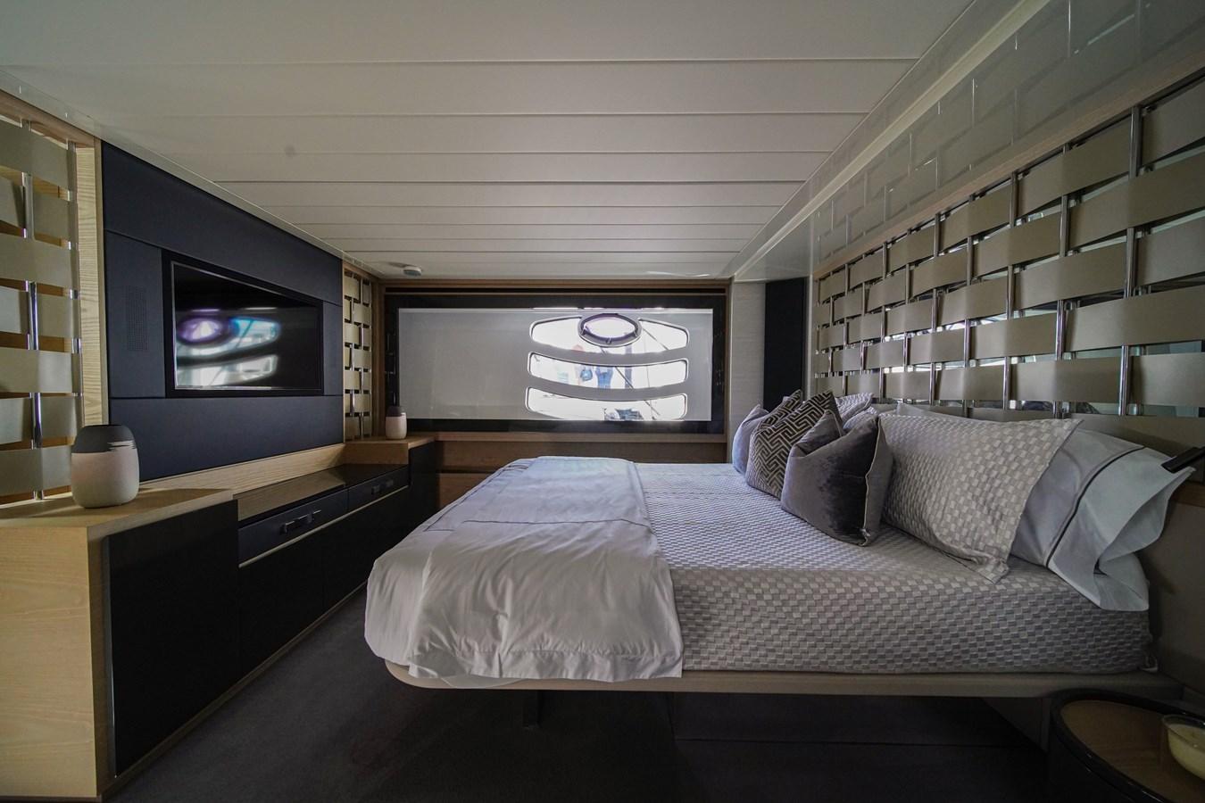 2016 PERSHING 70 Express Cruiser 2768309