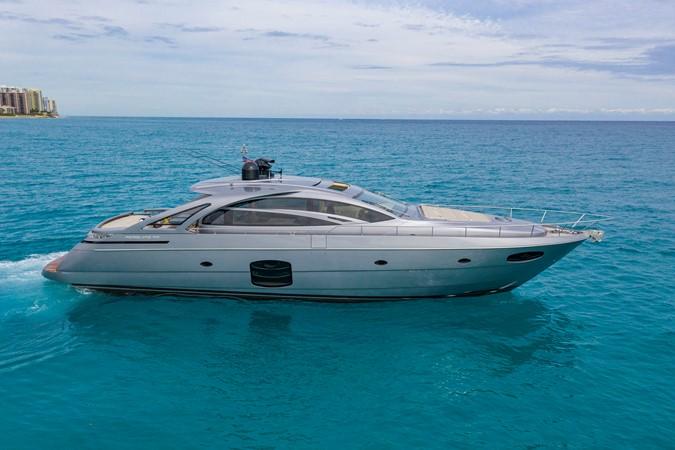 2016 PERSHING 70 Express Cruiser 2439236