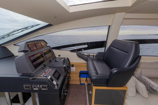 2016 PERSHING 70 Express Cruiser 2439263