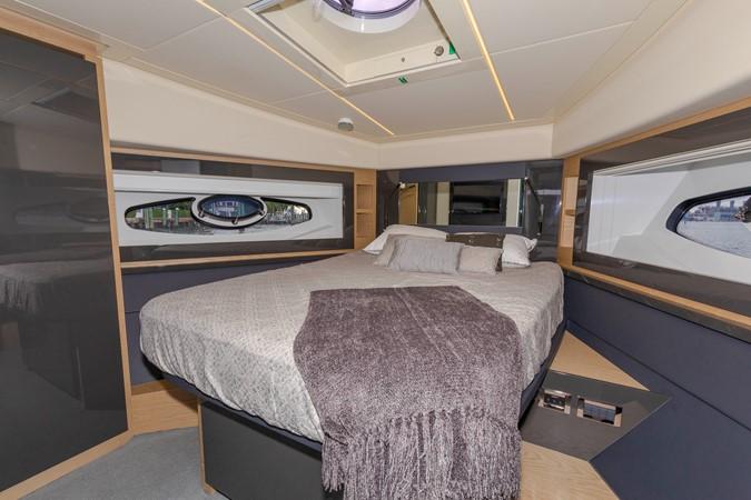 2016 PERSHING 70 Express Cruiser 2439270