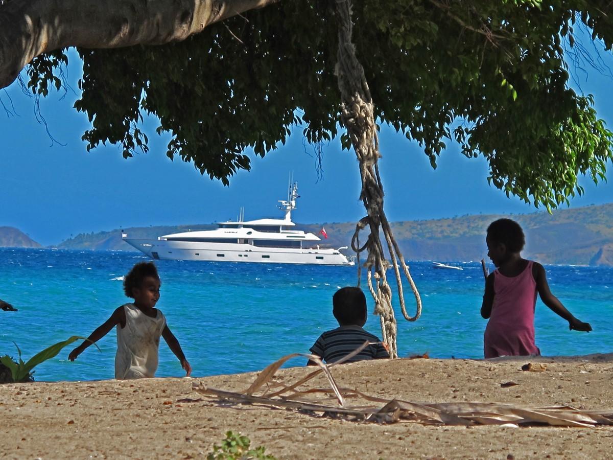2009 MONTE FINO 122 Commercial Vessel 2435892