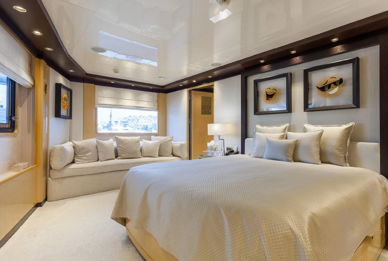 2004 MITSUBISHI  Mega Yacht 2459702