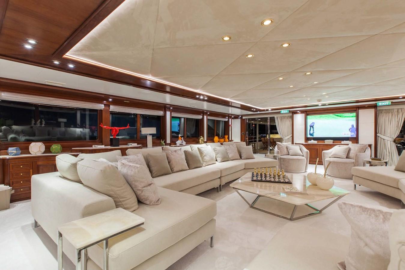002 O'Mega_271- main salon OMEGA_BROCHURE_10.18_LR_Page_14_Image_0001 2004 MITSUBISHI  Mega Yacht 2919756