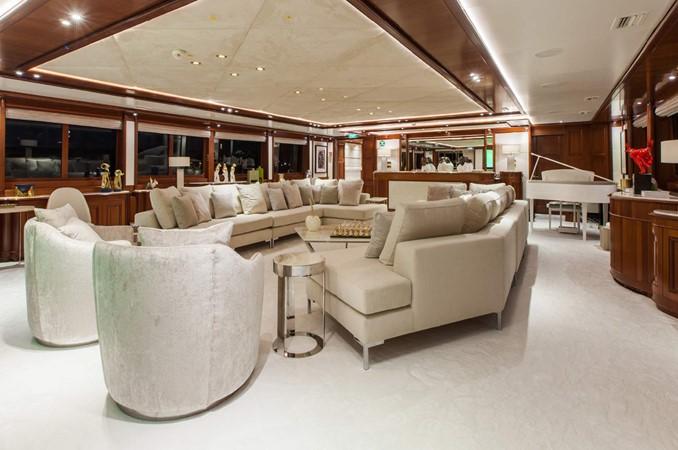 2004 MITSUBISHI  Mega Yacht 2459696