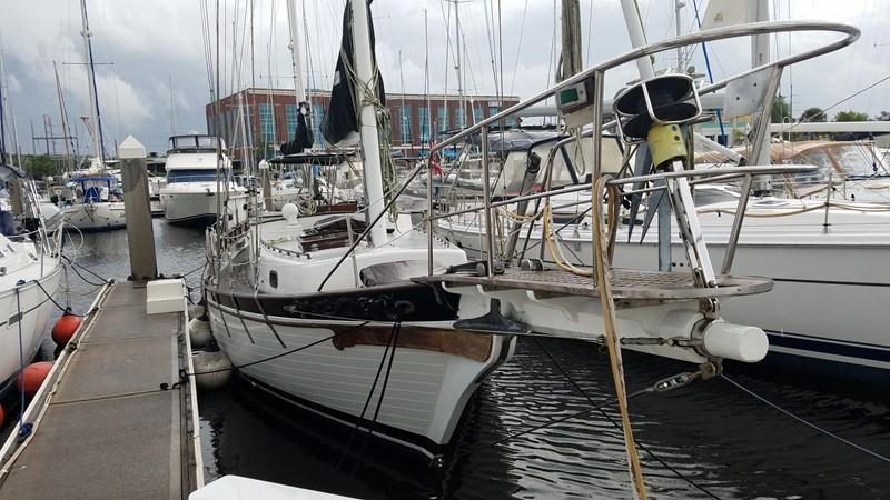 1981 MARINE TRADER  Classic Yacht 2438309