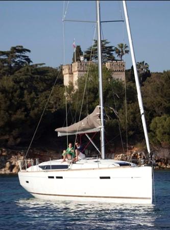 2017 JEANNEAU 449 Cruising Sailboat 2440460