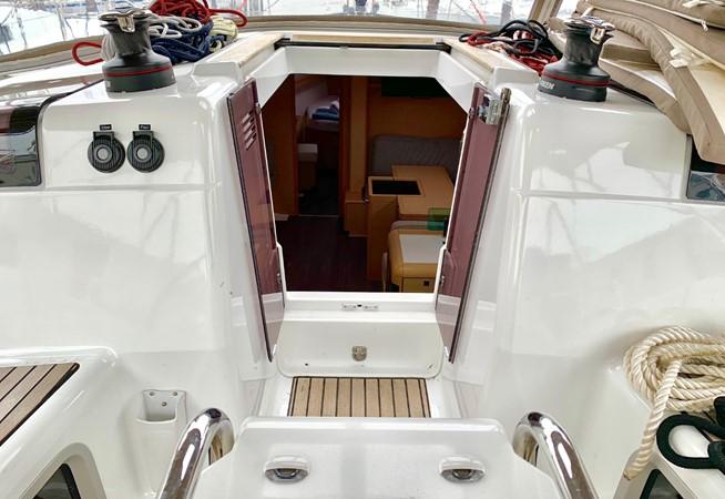 2017 JEANNEAU 449 Cruising Sailboat 2440476