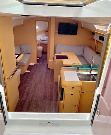 2017 JEANNEAU 449 Cruising Sailboat 2440478