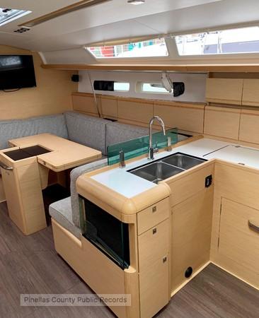 2017 JEANNEAU 449 Cruising Sailboat 2440480