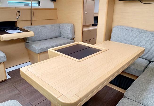 2017 JEANNEAU 449 Cruising Sailboat 2440487