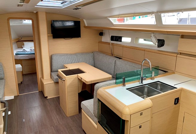 2017 JEANNEAU 449 Cruising Sailboat 2440494