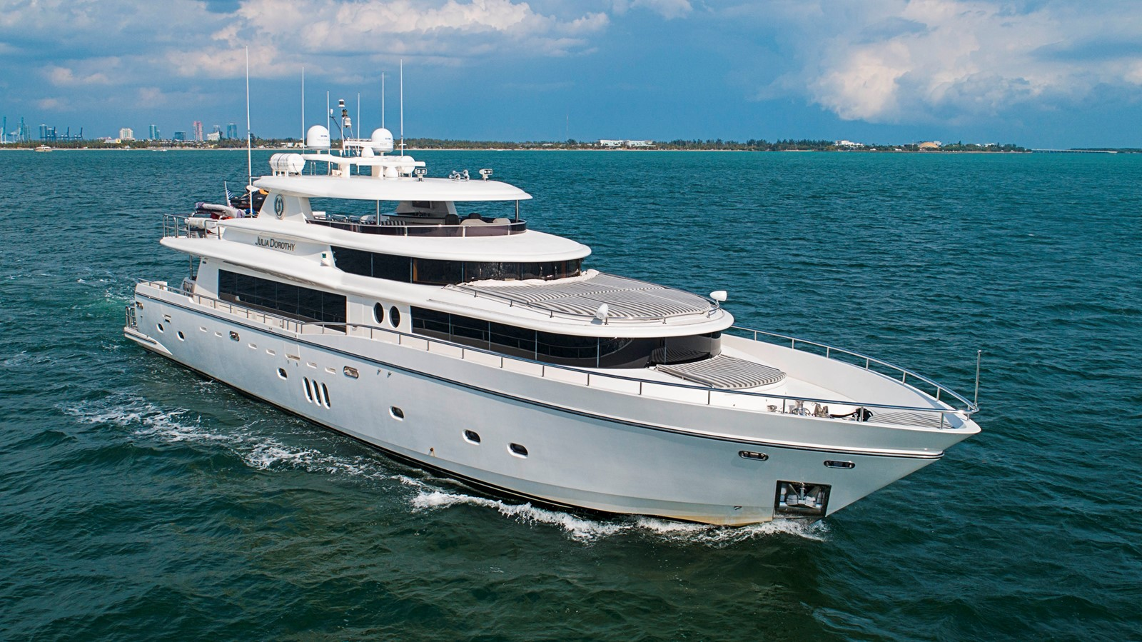 2009 JOHNSON raised pilothouse Motor Yacht 2484261