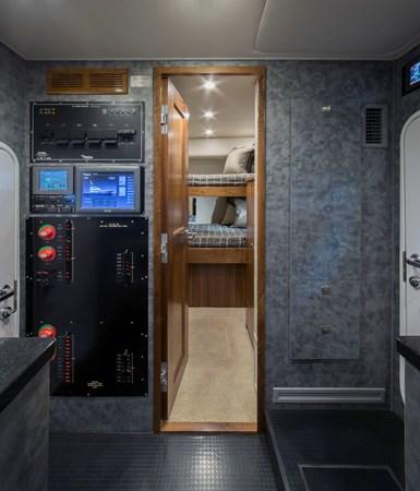 2015 Viking 92 EB 2015 VIKING 92 Enclosed Bridge Sport Fisherman 2441418