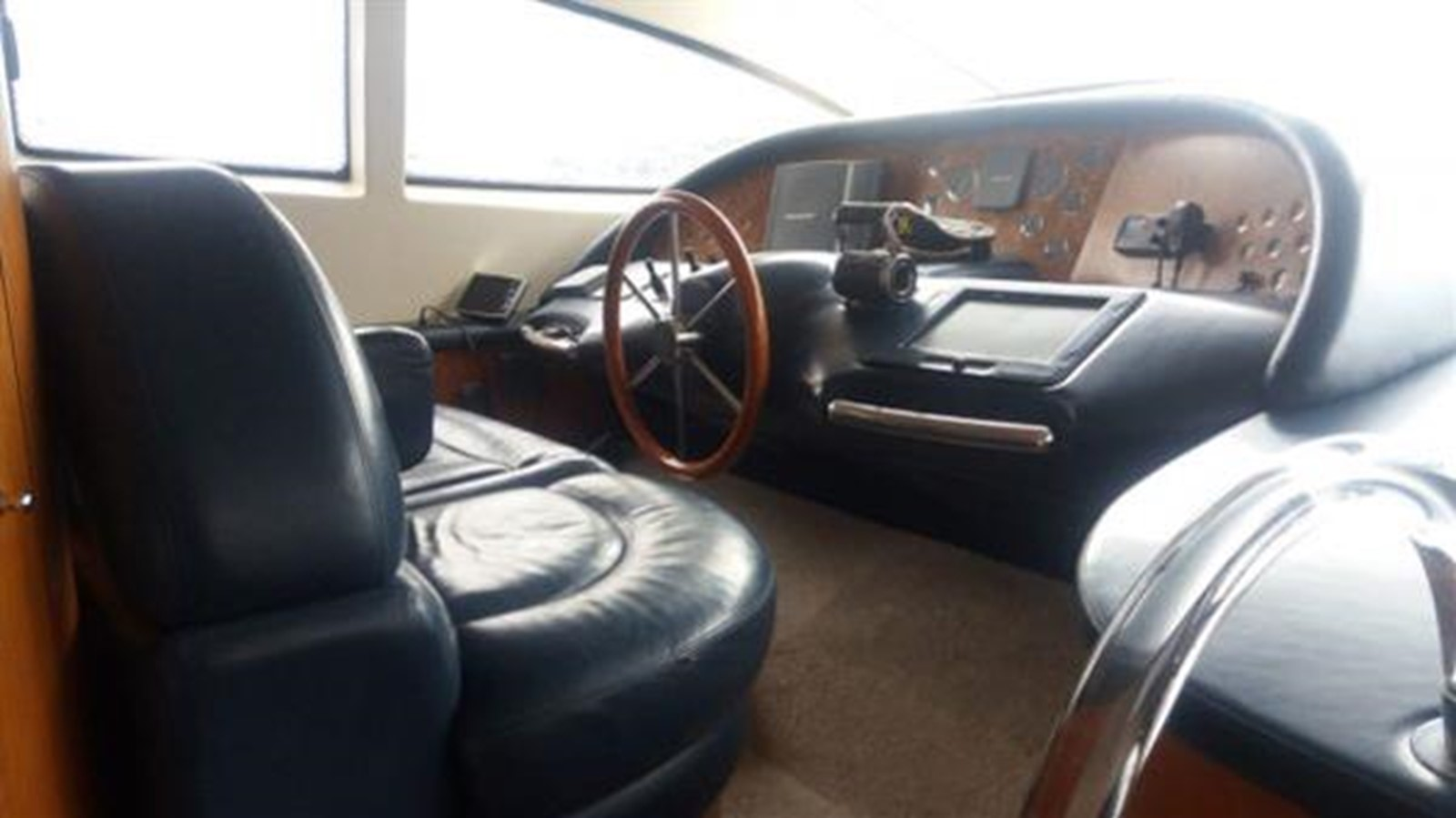 2004 AZIMUT  Motor Yacht 2442063