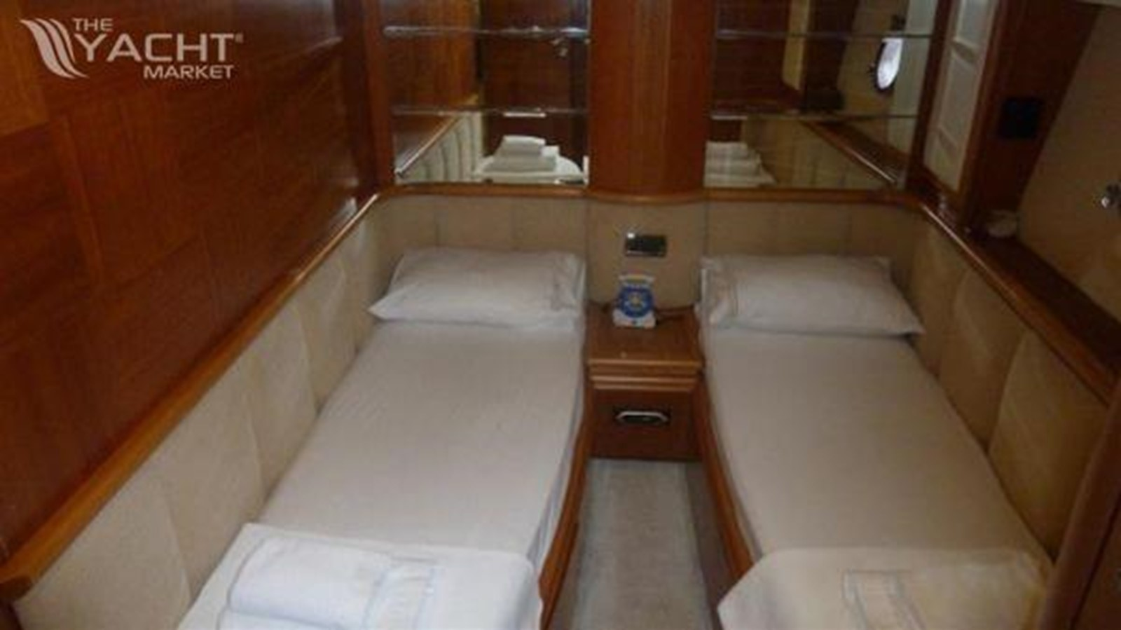 2004 AZIMUT  Motor Yacht 2442068