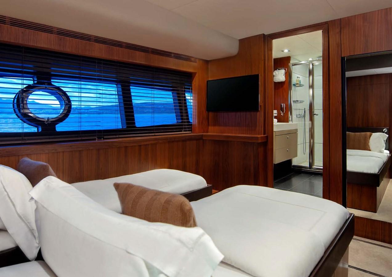2013 SUNSEEKER  Motor Yacht 2482569