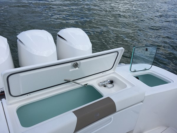 2017 EDGEWATER 368cc Center Console 2443992
