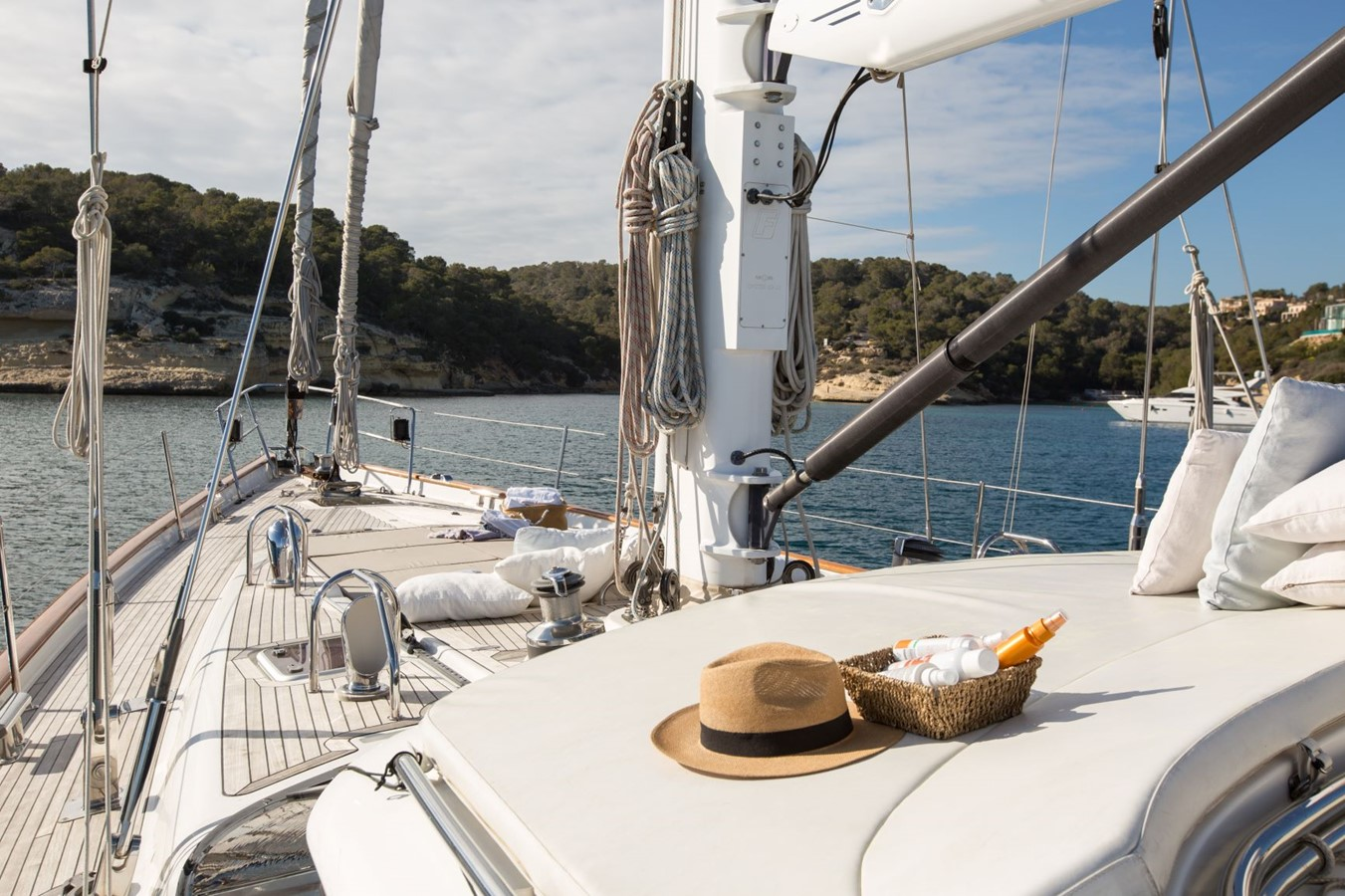 2010 OYSTER YACHTS Oyster 82 Cruising Sailboat 2485463