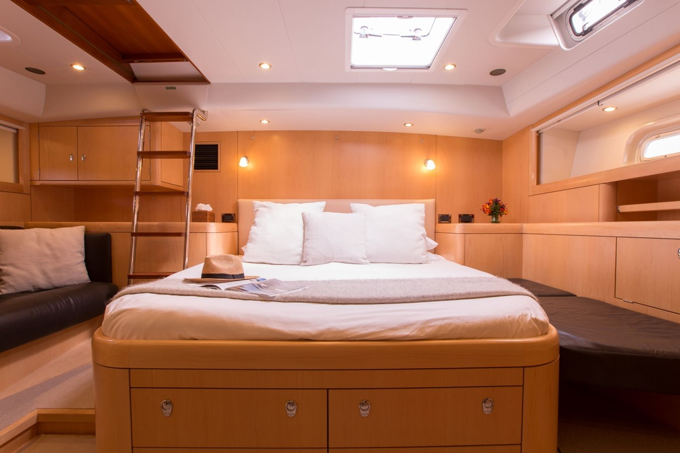 2010 OYSTER YACHTS Oyster 82 Cruising Sailboat 2485464