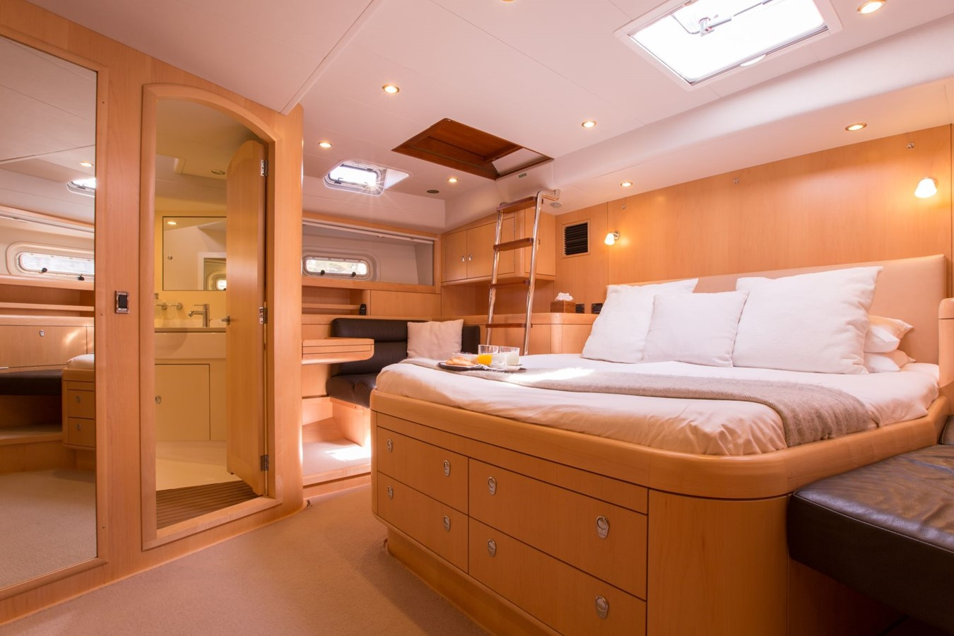 2010 OYSTER YACHTS Oyster 82 Cruising Sailboat 2485465