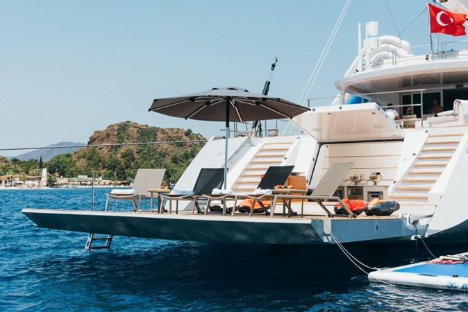 Beach Club 2019 ADA YACHT WORKS Twin Screw Flybridge Sailing Yacht Sloop 2624912