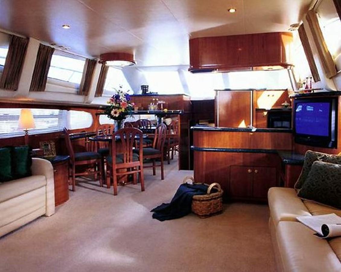 2000 CARVER  Motor Yacht 2445893
