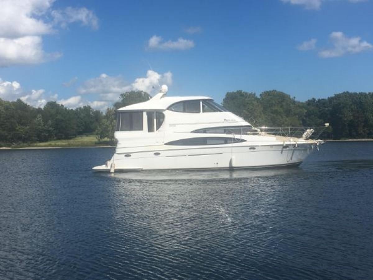 2000 CARVER  Motor Yacht 2445900