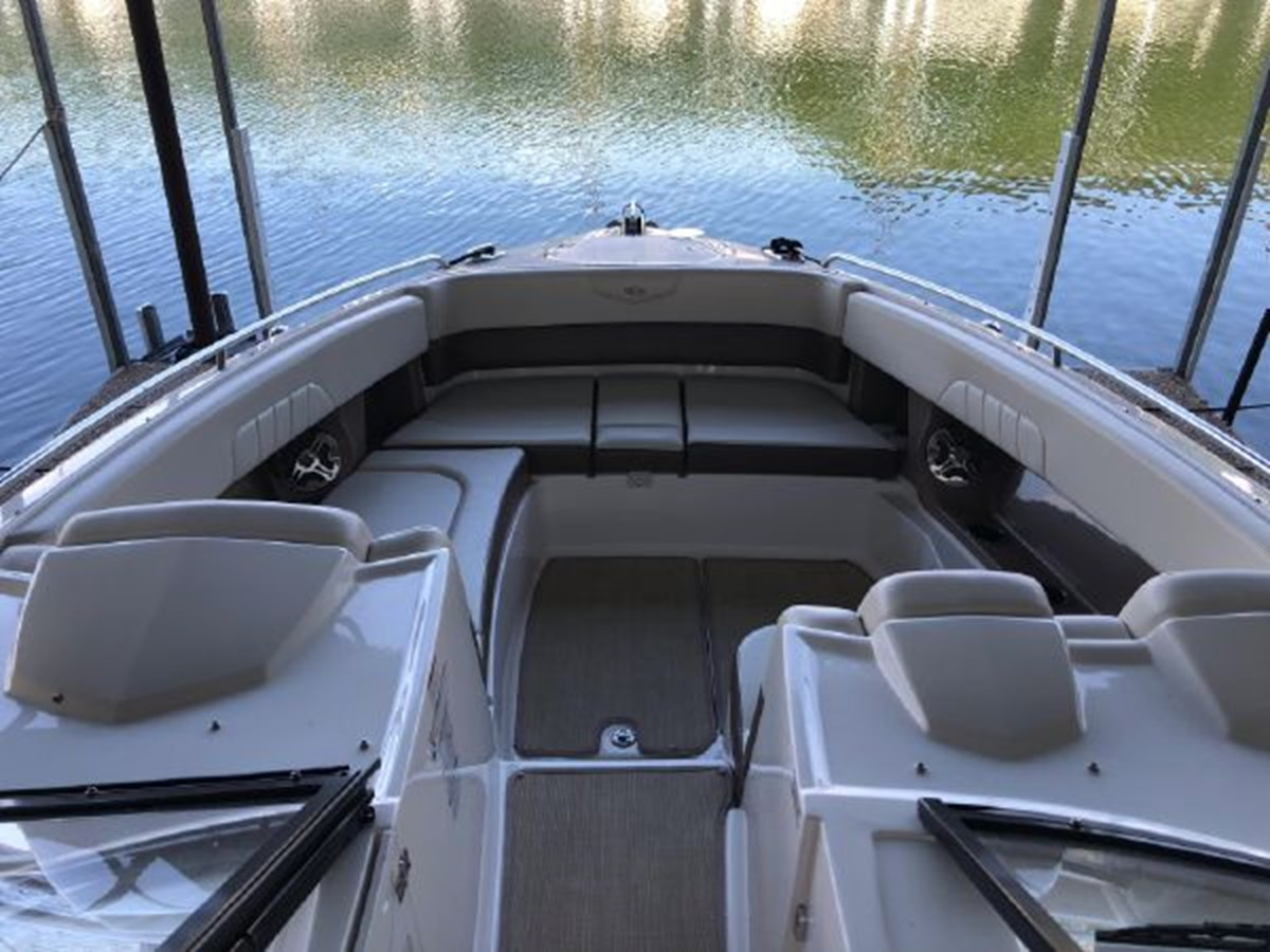 2016 CHAPARRAL  Runabout 2445910
