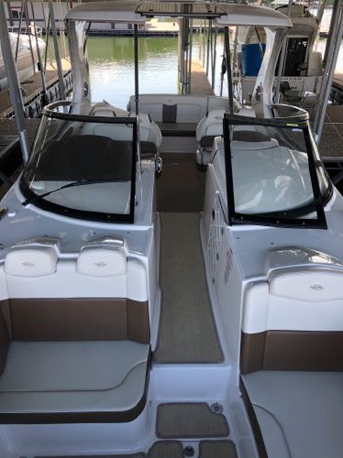 2016 CHAPARRAL  Runabout 2445911
