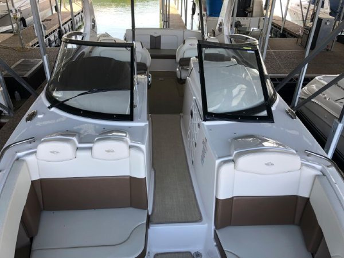 2016 CHAPARRAL  Runabout 2445913