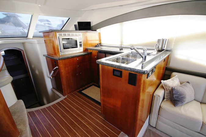 Galley 3 2007 Cruisers Yachts 447 Sport Sedan Cruiser 2445999