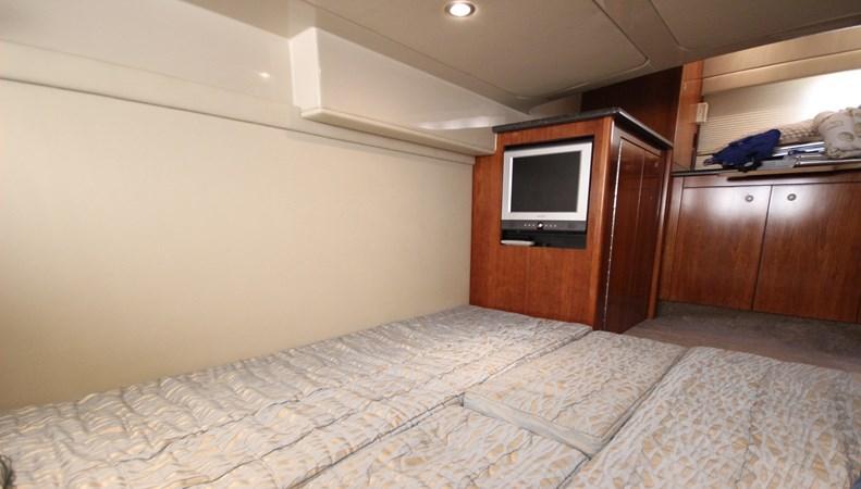 Mid-Stateroom  2 2007 Cruisers Yachts 447 Sport Sedan Cruiser 2446009