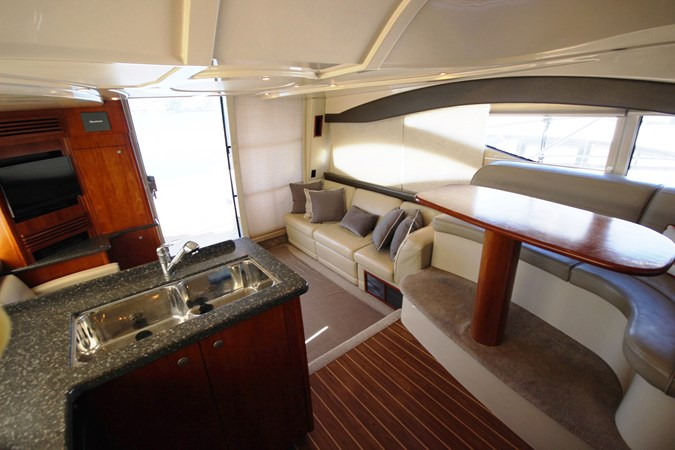 Port Aft Salon 2007 Cruisers Yachts 447 Sport Sedan Cruiser 2446013