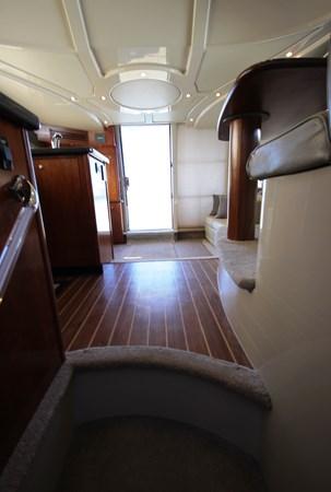 Salon Walkway 2007 Cruisers Yachts 447 Sport Sedan Cruiser 2446015