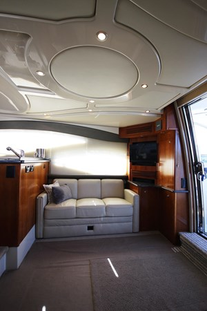 Starboard Salon  2007 Cruisers Yachts 447 Sport Sedan Cruiser 2446016