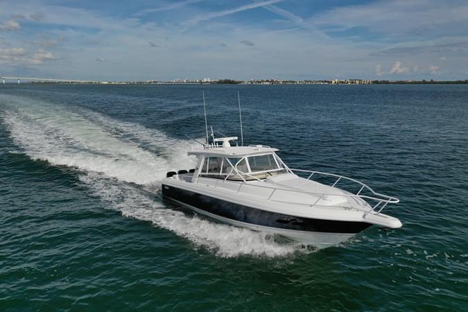 2013 INTREPID 390 Sport Yacht Cuddy Motor Yacht 2447177