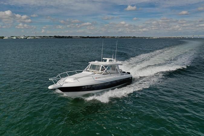 Running 2013 INTREPID 390 Sport Yacht Cuddy Motor Yacht 2447178