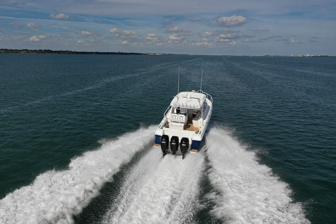 Running 2013 INTREPID 390 Sport Yacht Cuddy Motor Yacht 2447180