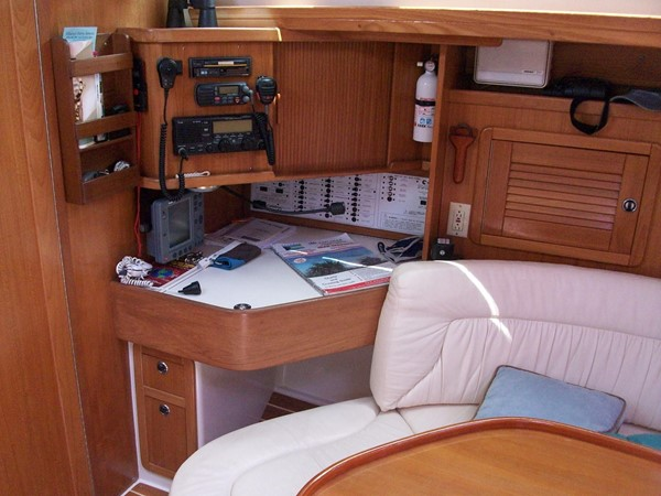 2001 CATALINA MKII Cruising Sailboat 2448798