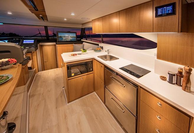 2020 RIVIERA 39 Sports Motor Yacht Motor Yacht 2448600