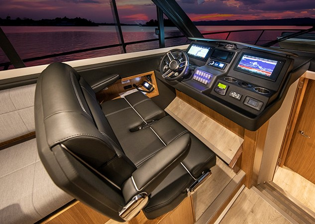 2020 RIVIERA 39 Sports Motor Yacht Motor Yacht 2448601