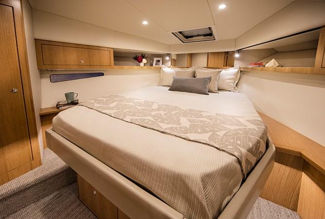 2020 RIVIERA 39 Sports Motor Yacht Motor Yacht 2448602