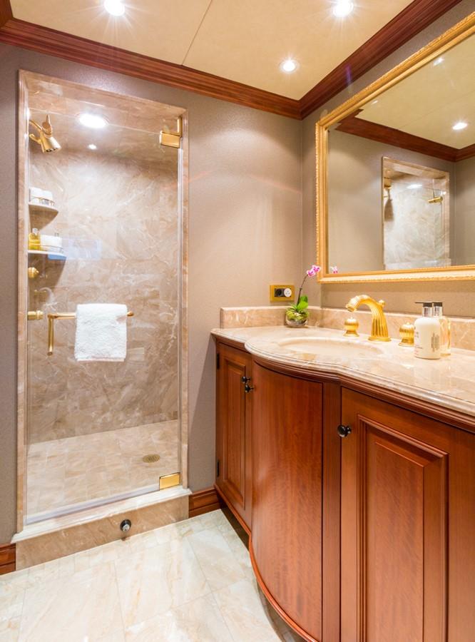 Guest Bathroom  2006 BURGER  Motor Yacht 2449171