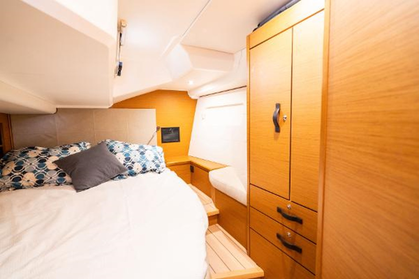 2017 JEANNEAU 54 Cruising/Racing Sailboat 2451664