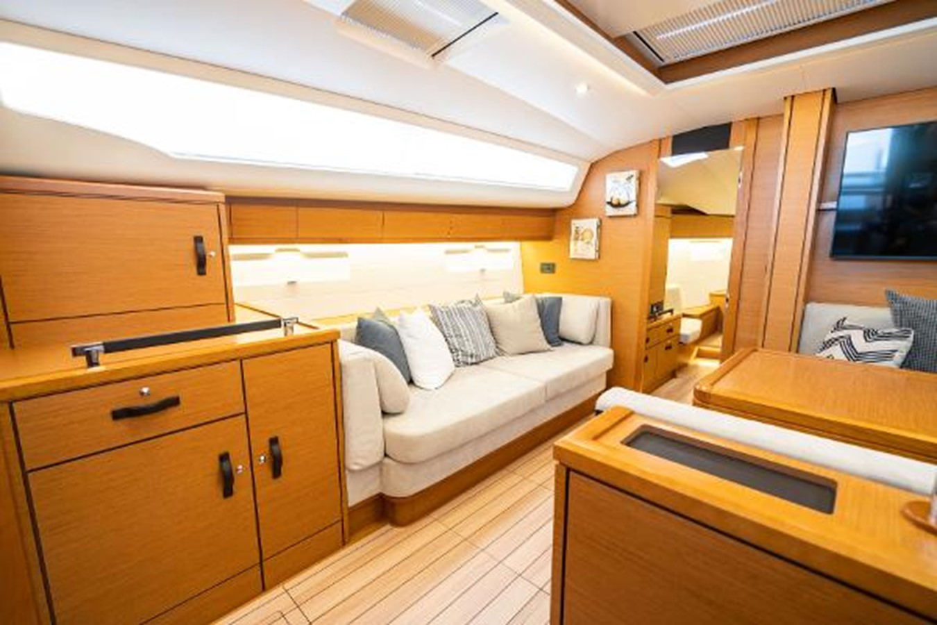 2017 JEANNEAU 54 Cruising/Racing Sailboat 2451671