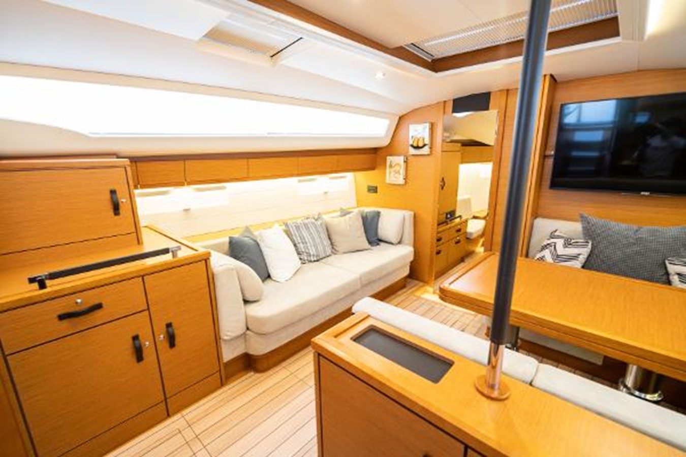 2017 JEANNEAU 54 Cruising/Racing Sailboat 2451679